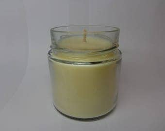 Vegetable soy wax scented Tiare flower.