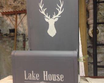 Lake House plant / mail / magazine / keys  holder