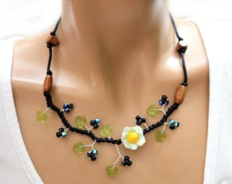 Necklace black small sky blue daisy