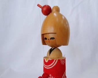 VJ123 : Japanese kokeshi doll
