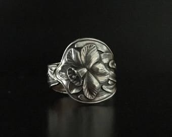 Baker Manchester Dadfodil Spoon Ring 7.25 ca 1901