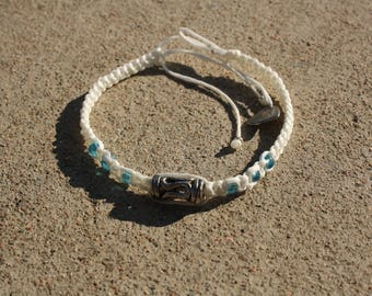 White beaded macrame bracelet