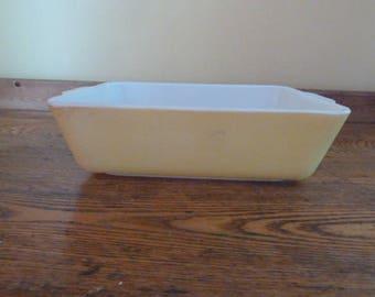 Vintage Yellow Pyrex Baking Dish