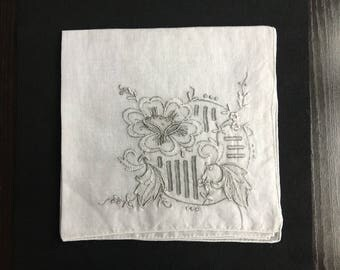 Vintage cloth handkerchief antique very fine batiste refined 30 x 30 cm embroidery and days hand-made