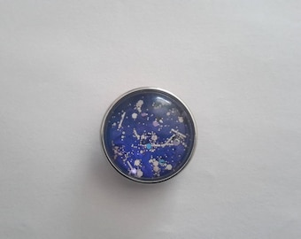 snap closure in blue glitter Nail Polish glass cabochon