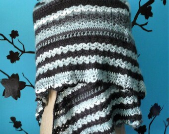 very large shawl black and white