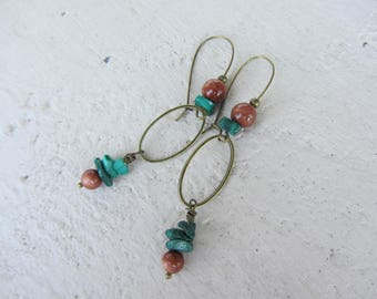 Dangling ring metal bronze earrings, chips and beads fine stone, Malachite and Sun stone, bright green and Brown glitter