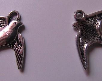 lot de 2 breloques pendentif argenté oiseau 20mmx17mm