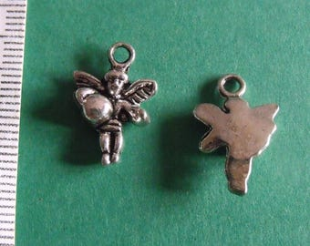 set of 2 silver charms child with wings 18mmx12mm