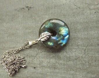 Necklace with semi precious stone a labradorite donuts