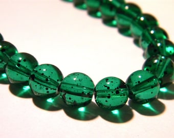 20 glass beads 8 mm - green - glass speckled translucent - G37