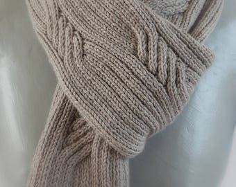 light grey man cable scarf