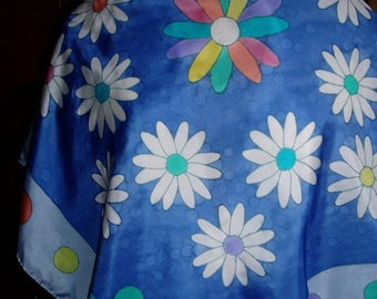 """Scarf scarf in blue and white silk pongee """"Daisies"""" hand painted"""