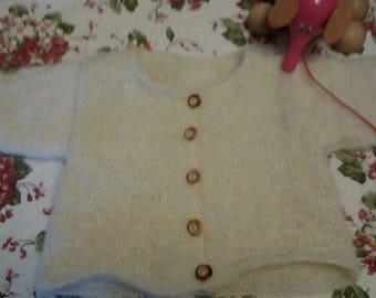 Gilet fille ou garçon, taille 9 - 12 mois, en laine mohair,tricoté main.