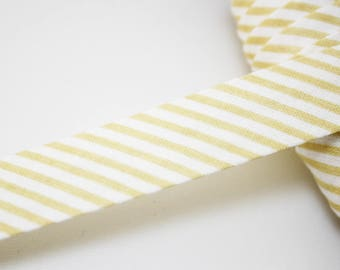 Bias stripes yellow ocher and white 18 mm, folded, striped