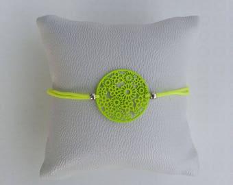Bracelet adjustable yellow neon prints & tone on tone