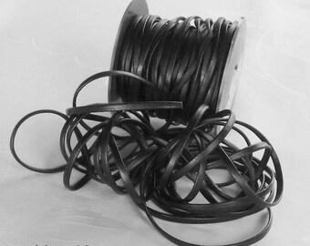 Thong / black - 3.5 mm flat leather cord