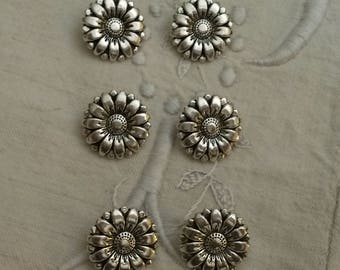 Set of 6 buttons round metal / Silver / flower shaped buttons