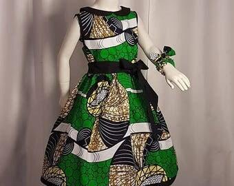 1 wax, knee-length dress. HAND MADE