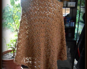 BROWN CROCHET SHAWL