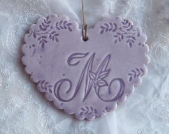 Heart Purple personalized earthenware, wavy edges, lace print, letter ' I
