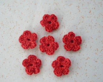 6 red flowers mini crochet