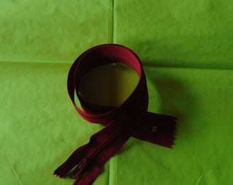 Red 45 centimeters nylon closure
