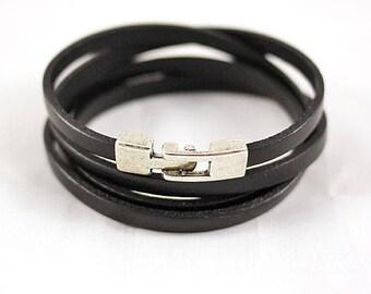 Black leather bracelet - 4 wrap - leather women Bracelet - antique silver clasp