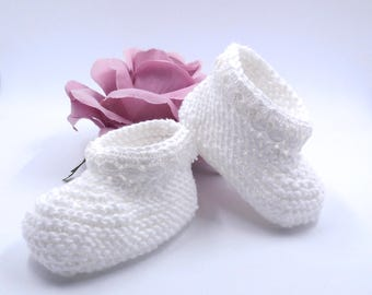 Slippers in white cotton and antique lace - for premature baby or doll