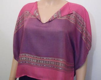 Large and lightweight, pink and purple short poncho top