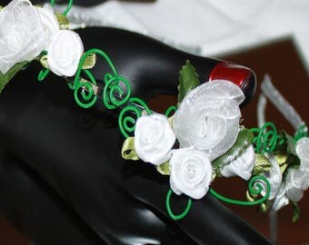 SMALL ROSES WEDDING