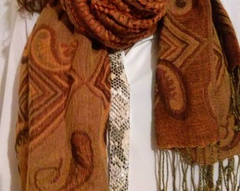 Set of three scarves made of cotton and acrylic