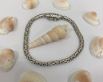 Vintage 925 silver heart design bracelet L194