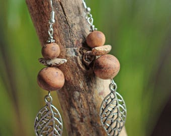 Earrings beads of cade, seed and leaf silver plated