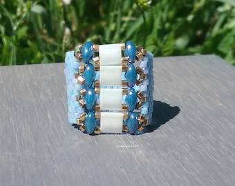 Peyote stitch with miyuki delicas blue ring