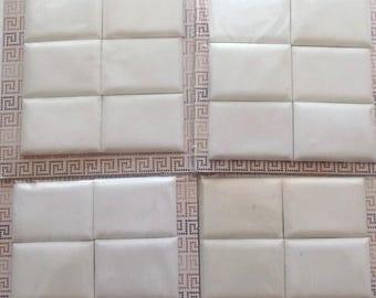 24 CARREAUX DE MOSAIQUE EN RESINE à décorer  dimensions 7x5cm