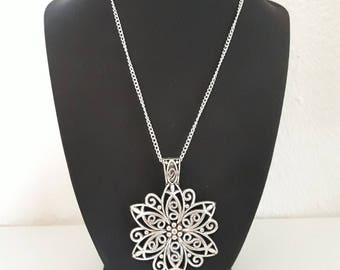 filigree Silver Flower necklace