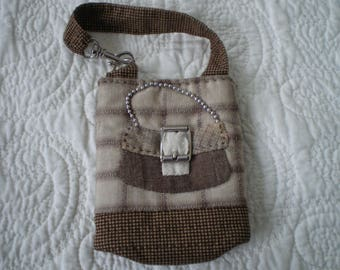 pouch to hang the bag for laptop or other