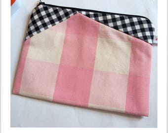 "vintage ""essential"" zip pouch pink and black"
