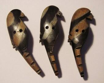 Wood - set of 3 buttons - European Parrot buttons