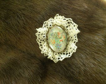 Vintage lace flower brooch