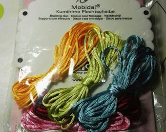 1kit to make the kumihimo (never used)