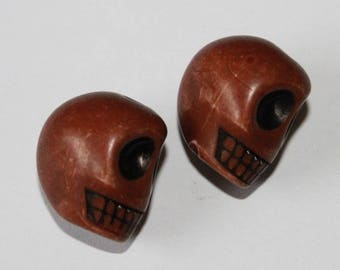 Large skull, red and Brown, 17 * 13 mm, the pair