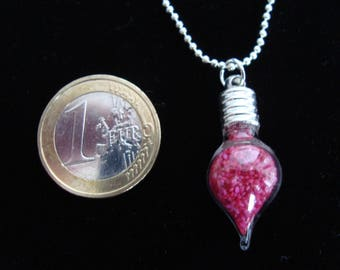 """Pendant """"Aladdin"""": on a ball, small vial pointed very elegant with a pretty chain"""