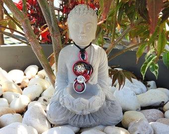 Contemplative cabochon necklace