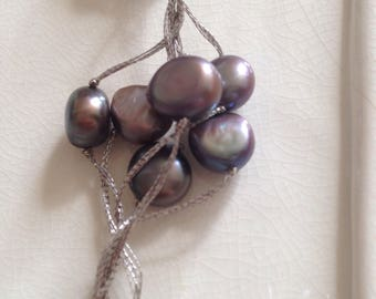 Black pearl clister necklace