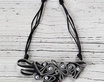 Dark moon necklace-Zip