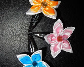 Set of 3 pins with hair clip flower satin