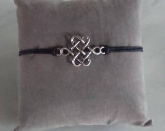 Black String Bracelet with conneteur