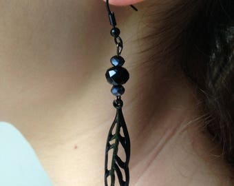 Black chic earring